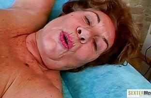 Madre mejor amiga hentay latino MILF seduce para follar por hijastro