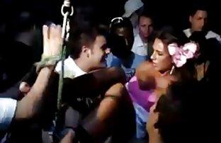 La pequeña MILF Naomi Shah follando su dulce hentai en español latino sin censura coño indio
